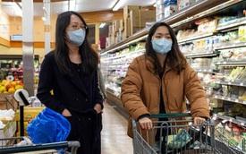 Đổ xô đi mua đồ dự trữ: Nguy cơ cao nhiễm Covid-19 dù có ý thức chuẩn bị ở nhà tránh dịch