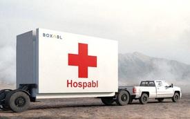 """Công ty làm """"nhà xếp hình"""" này có thể xây cả bệnh viện dã chiến dạng lắp ghép, rộng 36m2 nhưng gấp lại được, kéo đi khắp nơi bằng ô tô"""