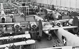 """Thời kỳ """"thủ phủ ô tô"""" Detroit biến thành xưởng vũ khí lớn nhất thế giới"""