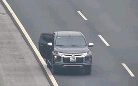 Bất chấp nguy hiểm, tài xế dừng xe đi vệ sinh trên cao tốc Hà Nội - Hải Phòng