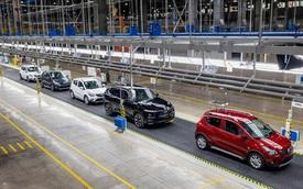 """Chính phủ """"chốt"""" giảm 50% phí trước bạ ô tô, người mua xe hưởng lợi"""