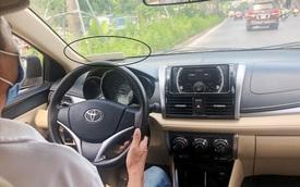 Xe công nghệ vẫn trá hình hoạt động ở Hà Nội