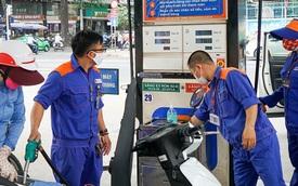 Giá xăng tiếp tục tăng mạnh, vọt lên gần 15.000 đồng/lít kể từ 15h chiều nay