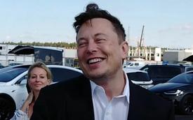 """Loại bỏ robot, Tesla chuẩn bị cho """"một cuộc cách mạng"""" về tốc độ sản xuất ô tô"""