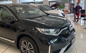 Giá ô tô tiếp tục giảm