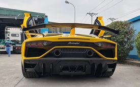Lamborghini Aventador SVJ từ Sài Gòn bất ngờ ra Hà Nội đăng kiểm, dân tình thắc mắc chủ nhân thực sự của 'siêu bò' hàng độc