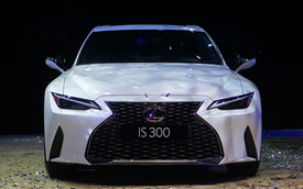 Ra mắt Lexus IS 2021 tại Việt Nam: 3 phiên bản, giá từ 2,13 tỷ đồng, đấu Mercedes-Benz C-Class và BMW 3-Series