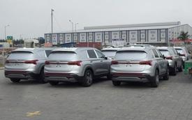 Xuất hiện lô cả chục xe Hyundai Santa Fe 2021 tại Việt Nam với đặc điểm lạ ở phía sau