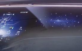 Mercedes-Benz hé lộ màn hình khổng lồ sắp xuất hiện trên loạt xe sang thế hệ mới
