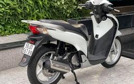 Đeo biển 'sảnh rồng' 567.89, Honda SH 150i nhập Ý chào giá tận 1 tỷ đồng dù đã 10 năm tuổi, chủ xe còn chốt 'nhận đổi mọi loại tài sản'