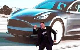 Tesla trượt dốc, tỉ phú Elon Musk rơi khỏi top 1 người giàu thế giới, chuyên gia chỉ ra nguyên nhân liên quan Bitcoin