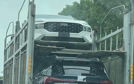 Lộ diện Hyundai Santa Fe 2021 trên đường vận chuyển tại Việt Nam: Khả năng là xe thương mại sắp ra mắt, đáp trả Kia Sorento