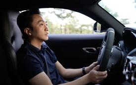 Nguyễn Quốc Cường lái Mercedes-AMG GT R khảo sát mở đường đua drag siêu độc tại Việt Nam
