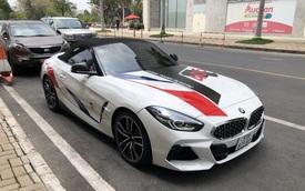 Bắt gặp BMW Z4 giá hơn 3,3 tỷ đồng của Minh 'Nhựa': Ngoại thất dán decal tương đồng chiếc BMW X3 vừa rao bán