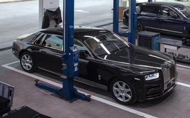 Đại gia Bình Thuận mua Rolls-Royce Phantom VIII chính hãng thứ hai tại Việt Nam: Logo mặt trời gây chú ý