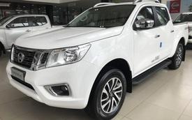 Nissan Navara giảm giá mạnh đấu Ford Ranger