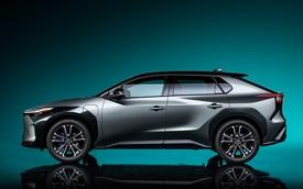 Chủ tịch Toyota bị chỉ trích vì phản đối chính phủ Nhật Bản cấm ô tô xăng, dầu