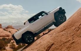 GMC Hummer EV thể hiện khả năng off-road vượt trội - Kẻ thách thức SUV động cơ đốt trong