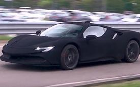 Siêu xe Ferrari SF90 Stradale 'không thể đen hơn' của tay chơi nước ngoài