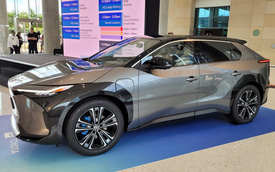 Ngược VinFast, Toyota vẫn khăng khăng nghi ngờ tương lai của ô tô điện