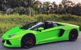 Lamborghini Aventador LP700-4 Roadster từng của đại gia Bình Phước đổi màu xanh lá bắt mắt