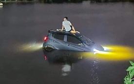 VinFast Fadil nổi bất chấp, đèn sáng trưng sau vài tiếng nằm hồ, CĐM đua nhau khen xe 'xịn', có 'khả năng chống nước'