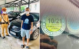 Toyota Camry dùng... tem kiểm định của Toyota Vios