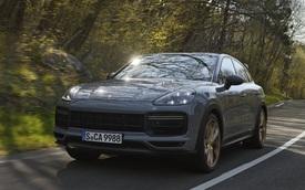 Porsche Cayenne bổ sung phiên bản mạnh nhất từ trước tới nay, tăng tốc nhanh khiến Lamborghini Urus 'ngửi khói'