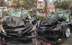 Rộ tin Toyota Camry 'chết đi sống lại' sau cú lộn nhào chiều mùng 5 Tết