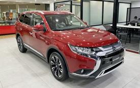 Mitsubishi Outlander giảm giá trăm triệu tại đại lý: Bản tiêu chuẩn từ 750 triệu đồng, rẻ nhất phân khúc, làm khó Honda CR-V