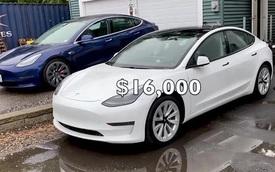 """YouTuber sửa một chiếc Tesla mất 700 USD trong khi nhà sản xuất """"chém đẹp"""" 16.000 USD"""