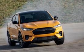 Ford làm nước hoa có 1-0-2: Dùng cho người chạy xe điện nhưng nghiện xe xăng