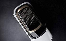 Mẫu xe này quyết tâm thay đổi bằng cách dùng chung khung gầm Volvo dù cùng mẹ với Mercedes-Benz