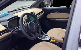 VinFast VF e34 lần đầu lộ ảnh nội thất thực tế: Đủ option như công bố, có chi tiết như xe sang