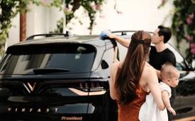 Sau Tuấn Hưng, đến lượt Kim Lý tự vệ sinh VinFast President, Hồ Ngọc Hà bất lực ngồi ngắm nhưng xua tan được tin đồn bán xe