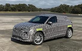 SUV VinFast lạ xuất hiện trên đường thử với thiết kế gần giống VF e35
