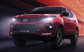 Ra mắt Toyota Fortuner GR Sport bản Thái: Hầm hố hơn, 2 cầu, giá quy đổi từ 1,3 tỷ đồng