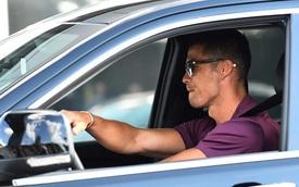 Ronaldo bỏ tập, lái Jeep rời đại bản doanh Juventus chuẩn bị về lại thành Man
