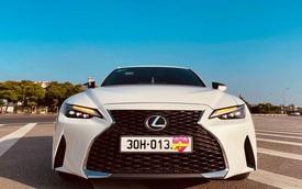 Lexus IS 300 thế hệ mới đầu tiên bán lại: Vừa chạy 1.200km đã rẻ hơn 300 triệu đồng
