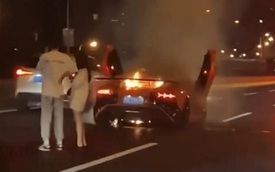 Siêu xe 21 tỷ đồng cháy rụi, nam thanh niên vẫn ung dung an ủi bạn gái