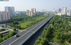 """Vẻ đẹp hút hồn như """"trời Âu"""" của tuyến đường hơn 8.000 tỷ đồng, 12 làn xe giữa Thủ đô trong thời điểm giãn cách"""