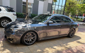 Lỡ sơn xe hồng, chủ nhân BMW rao bán giá hơn 400 triệu kèm khuyến mại sơn lại bất kỳ màu nào người mua thích