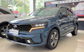 SUV cỡ trung 7 chỗ đua giảm giá trăm triệu tại Việt Nam: Quyết giành khách mùa dịch, bám đuổi Santa Fe và Fortuner