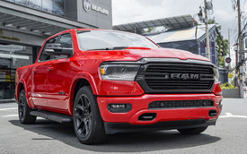 RAM 1500 chốt giá từ 5,388 tỷ đồng tại Việt Nam: Bán tải cỡ lớn đấu Ford F-150, động cơ V8 5.7L ngốn hơn 17 lít/100km