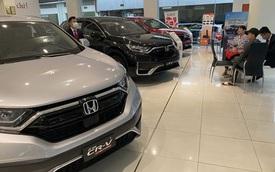 Chuyện lạ trên thị trường ô tô cuối năm
