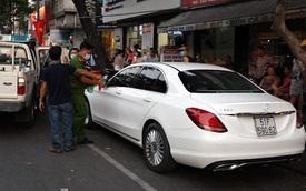 Kiểm tra người đàn ông nói nhảm trong xe ô tô ở Sài Gòn, phát hiện nhiều ma tuý