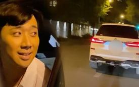 """Đi xe 7 tỷ nhưng Trấn Thành vẫn gặp sự cố """"muối mặt"""" giữa đường, phải ké xe đò ekip Bố Già, Lê Giang kêu oai oái"""
