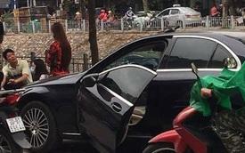 """2 học sinh cấp 3 đâm rụng cửa Mercedes, hiện trường tai nạn """"bóc"""" nhiều lỗi không ngờ từ tài xế"""