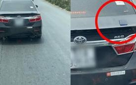 Chàng trai chạy theo ô tô 10km, sau khi nhìn kỹ tấm ảnh tất cả đều hiểu nguyên do