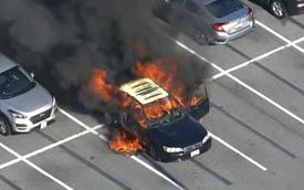 Xe ô tô bất ngờ biến thành ngọn đuốc bốc cháy dữ dội trong tích tắc, nguyên nhân chỉ từ lọ nước rửa tay khô quen thuộc